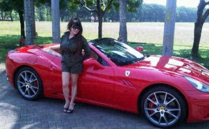 http://dhaniarfito.files.wordpress.com/2011/04/melinda-dee-dan-ferrari.jpg?w=414&h=256